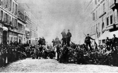 Alternative Futures of the Paris Commune